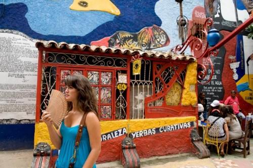 Callejon de Hamel, where musicians play in alley.