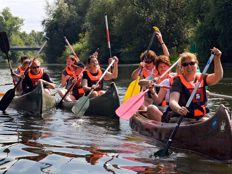 Paddeltour-auf-der-Leine_image_full sông Leine