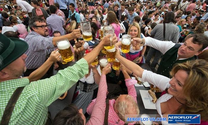 Lễ hội bia Oktoberfest ở Munich