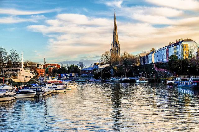 Khám phá thành phố Bristol
