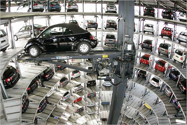 Choáng ngợp với CarTower của Volkswagen Đức