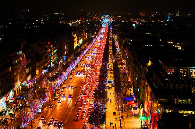 Đại lộ Champs-Élysées lộng lẫy nhất hành tinh