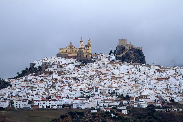 Pueblo Blancos - thị trấn trắng mơ màng ở xứ bò tót