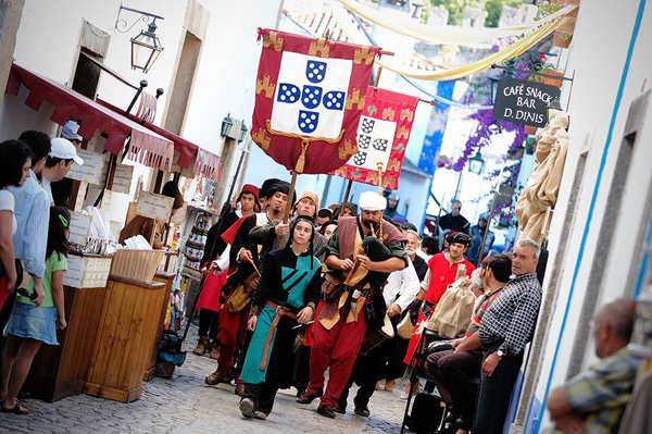 Tưng bừng không khí lễ hội trung cổ Obidos