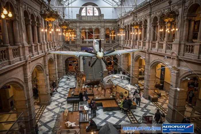 Bên trong Kelvingrove Art Gallery and Museum - Glasgow
