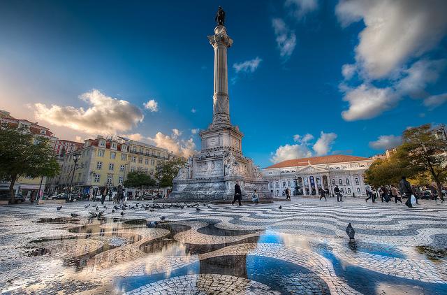 Vé máy bay đi Bồ Đào Nha bao nhiêu tiền?