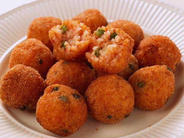 Cac-mon-an-duong-pho-nhin-la-them-o-Italy-ivivu-5