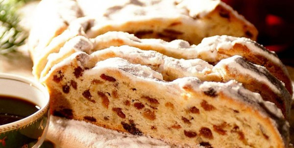 banh-giang-sinh-stollen
