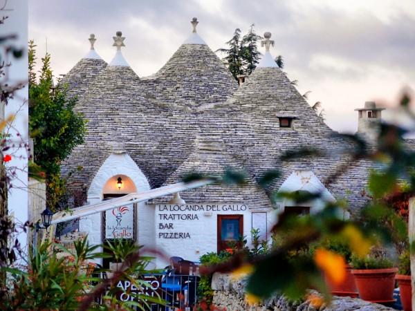 thị-tran-Alberobello1