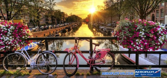 Thời điểm lý tưởng du lịch Amsterdam là từ tháng 5 - tháng 8