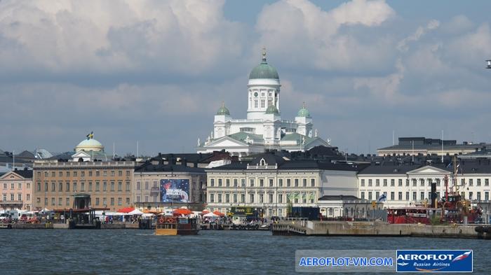 Nhà thờ Helsinki nổi bật với kiến trúc mái vòm xanh ấn tượng