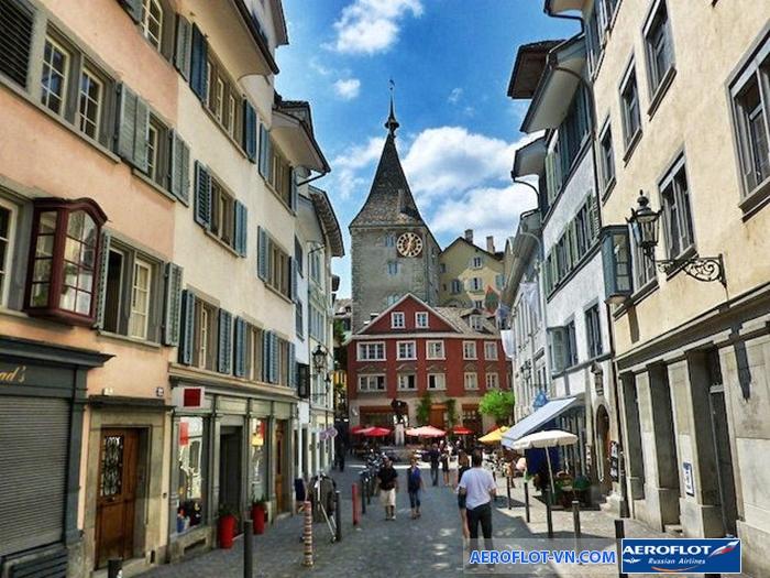 Khu Old Town hút khách ở Zurich