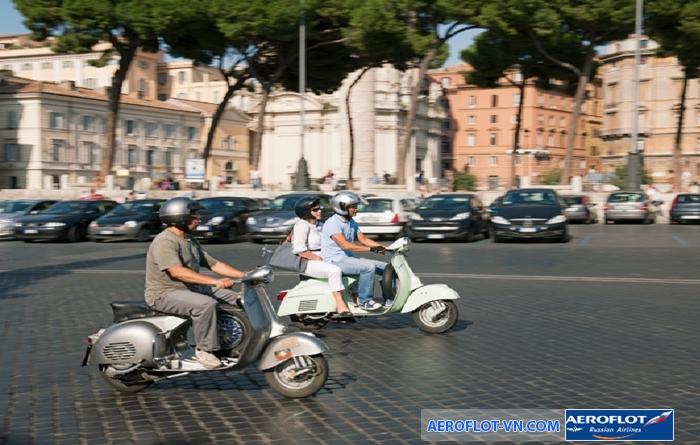 Bạn nên tránh xa những chiếc xe scooters trên đường phố Italia