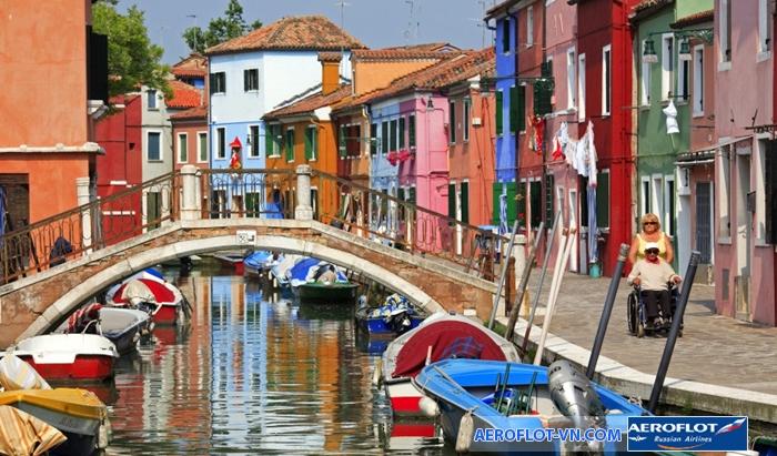 Burano với những ngôi nhà rực rỡ sắc màu rất dễ nhận ra