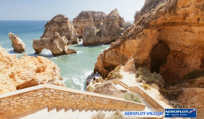 Praia Dona Ana, Lagos, Algarve