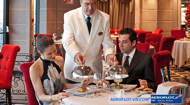 Các nhà hàng Pháp thường phục vụ một bữa ăn theo đúng trình tự từ món khai vị đến món chính