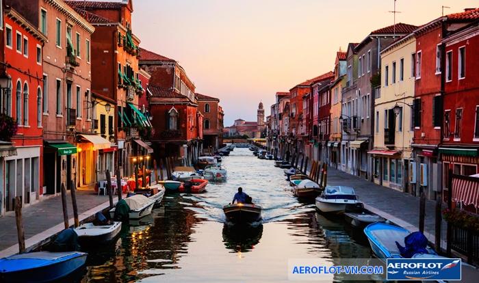 Tàu thuyền chính là phương tiện đi lại chủ yếu ở Venice