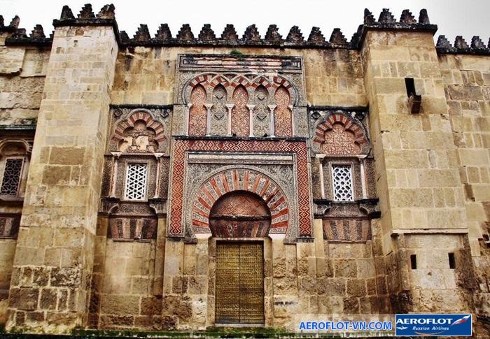 Mezquita de Cordoba - nhà thờ 1.000 năm tuổi ở Tây Ban Nha thu hút du khách