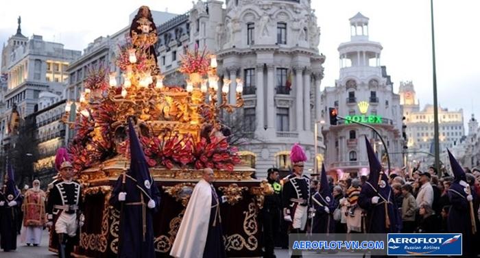 Quang cảnh lễ hội Semana Santa truyền thống của người Tây Ban Nha