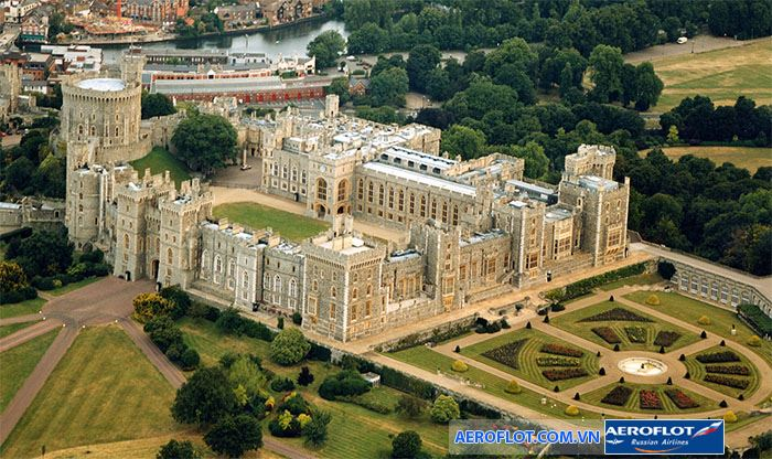 Lâu đài Windor tại Anh đồ sộ