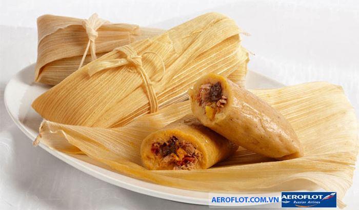 Món Tamales được gói bằng lá bắp