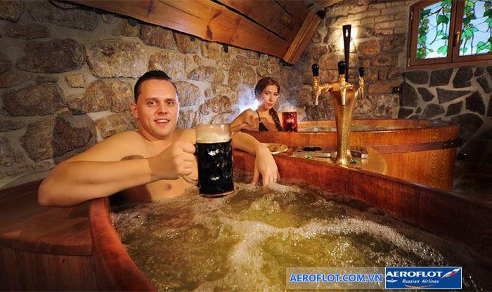 Phòng tắm Pilsen bia spa thư giãn