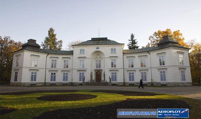 Cung điện Myslewicki lưu giữ nhiều bức tranh đẹp