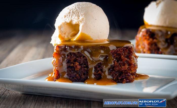 Món bánh Sticky Toffee Pudding mềm mại