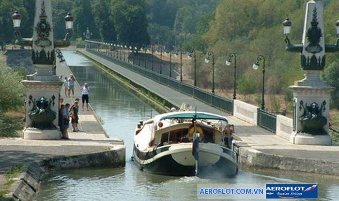 Cầu nước Briare, Pháp