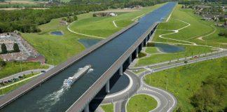 Top 10 những cây cầu nước độc đáo trên Thế Giới