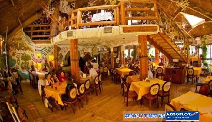 Nhà hàng mang trên mình phong cách truyền thống