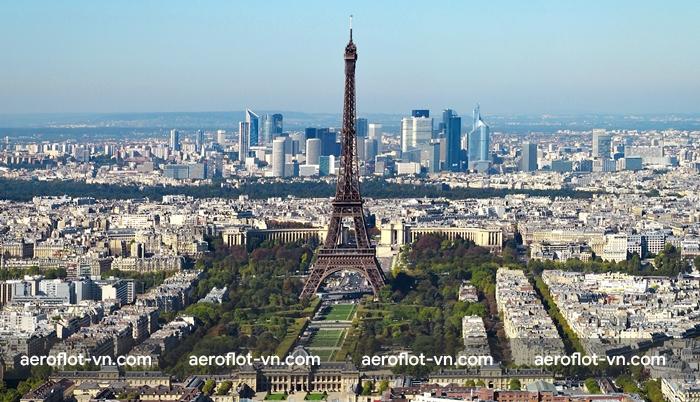 Paris lúc nào cũng đẹp đối với du khách