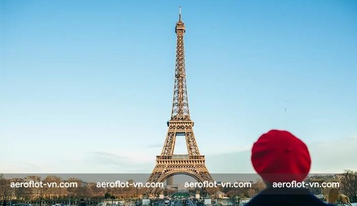 Tháp Eiffel - biểu tượng của đất nước Pháp
