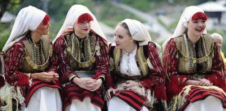 Trang phục truyền thống của Nga ngày nay
